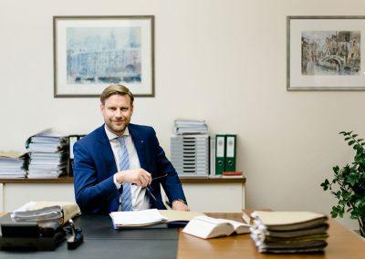 Dr. Gernot Lehner. Jurist für Härtefälle