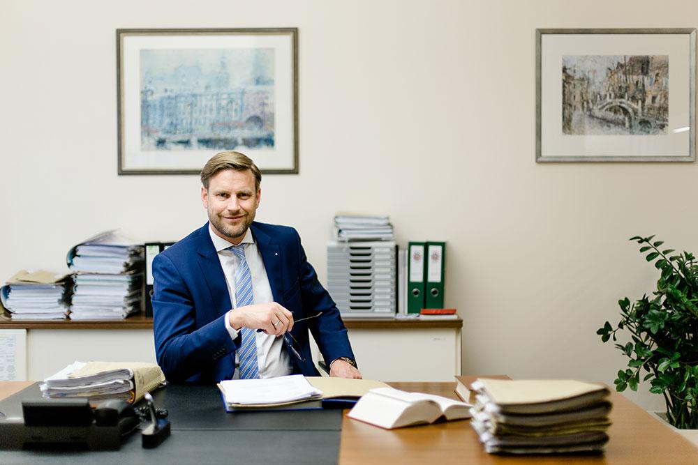 Jurist Gernot Lehner Grieskirchen Profi für Familienrecht
