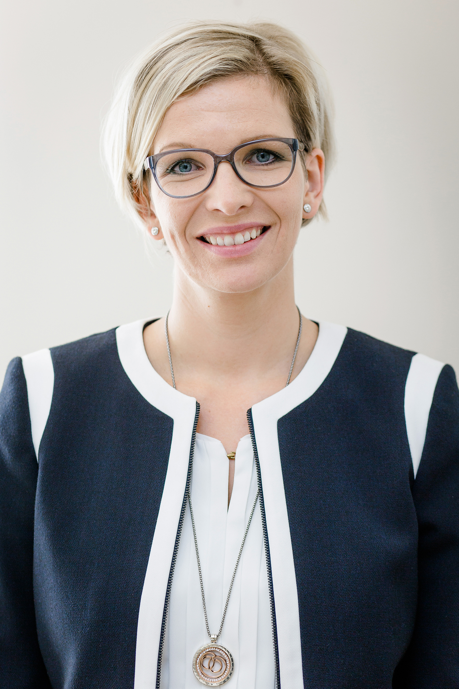 Mag. Claudia Regl